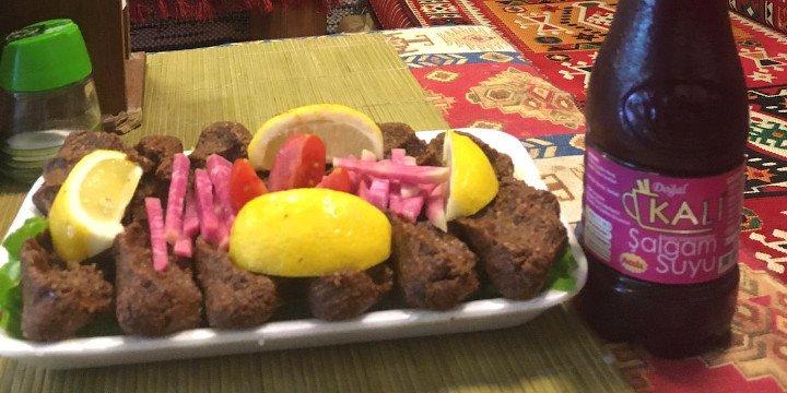 Turkish Vegetarian Food - Çiğ Köfte